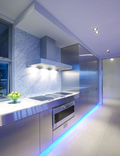 Come scegliere l\'illuminazione sottopensile da cucina?   Luciamo